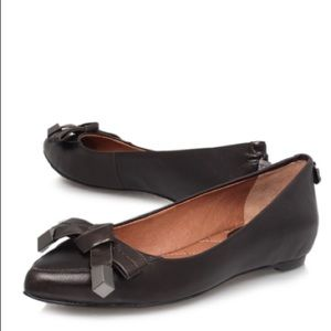 Vince Camuto Flats Graci Bow Size 7 1/2